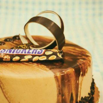 Snickers Cake كيك سنكرز