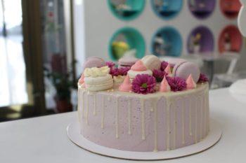 White Macron Cake وايت ماكرون كيك