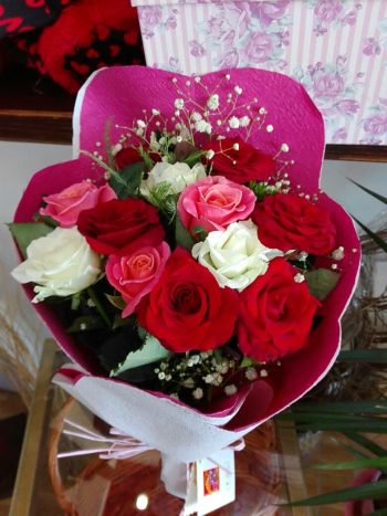 Mother's Days Colorful Bouquet باقة عيد الام الملونة