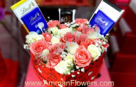 Lindt Flower Love Box بوكس قلب حب ورود مع شوكولا لينت