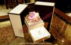 Immortal Flower Box w/ Silver Necklace بوكس الورود الأسطورية مع سنسال فضه