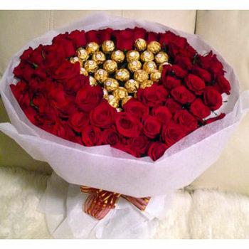 100 Red Roses with Ferrero Rocher Heart باقه 100روز مع شوكولا فيريرو روشيه قلب